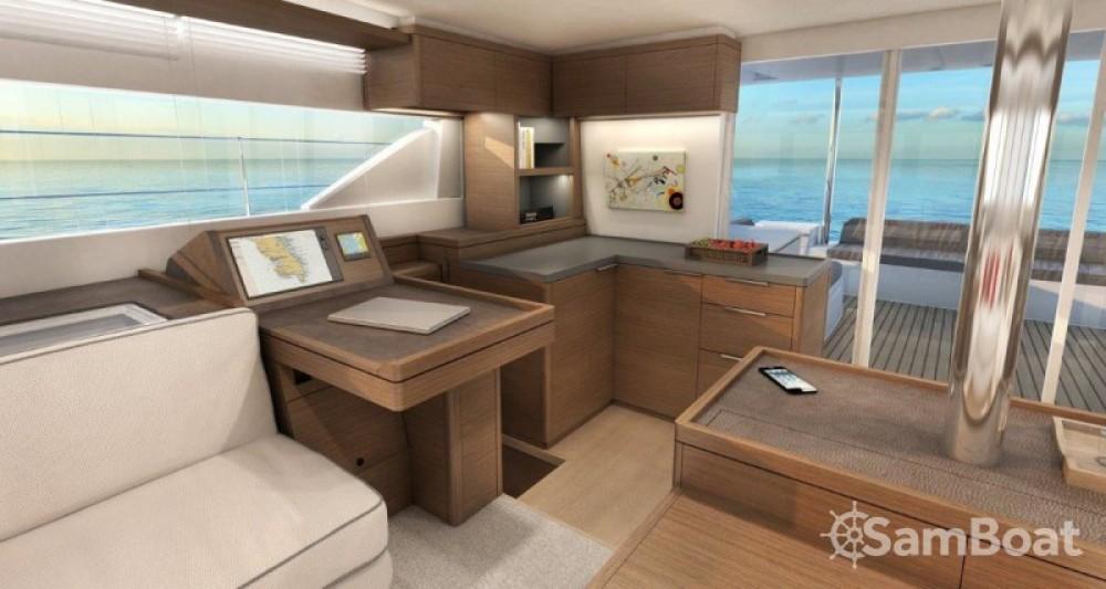 Alquiler de Catamarán, con o sin patrón Lagoon Split