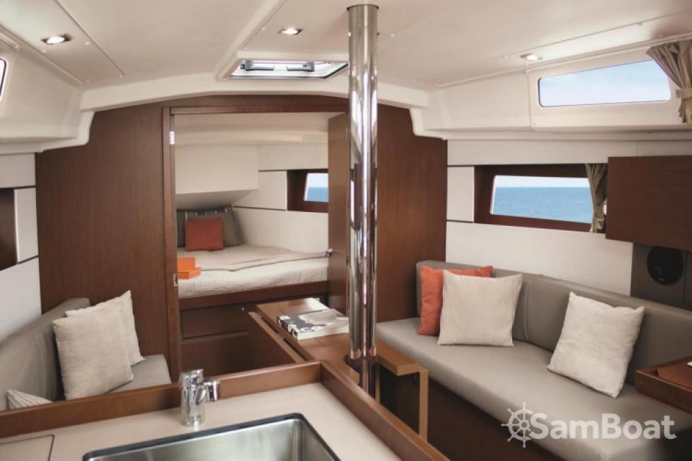 Alquiler de yate Split - Bénéteau Oceanis 35.1 en SamBoat