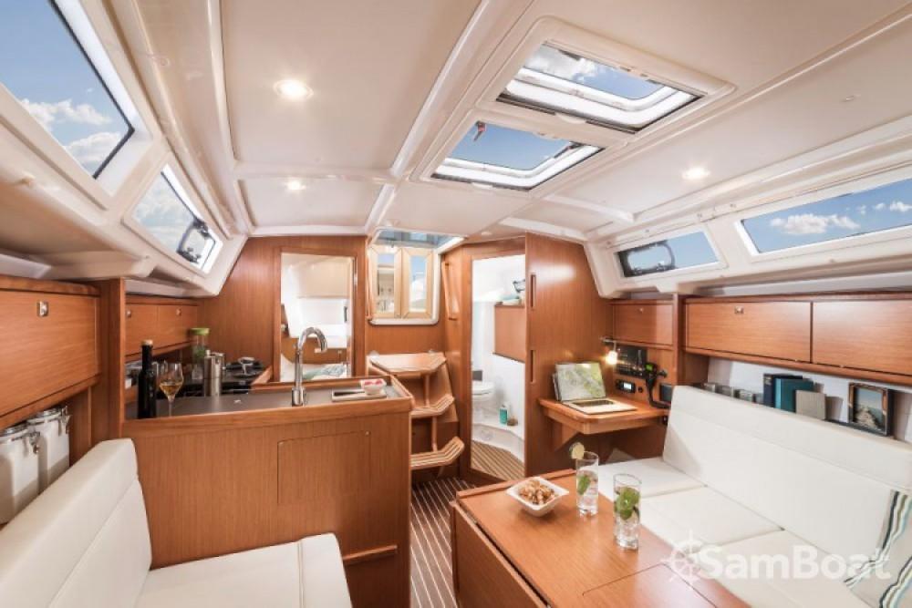 Alquiler de barcos Zadar barato de Cruiser 34