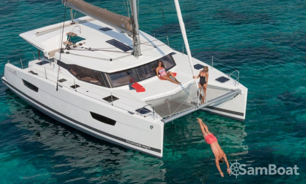 Fountaine Pajot Lucia 40 entre particulares y profesional Croacia