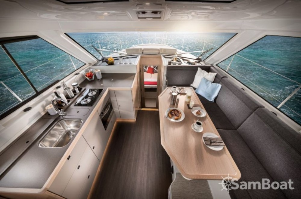 Boat rental Croatia cheap E40 Sedan