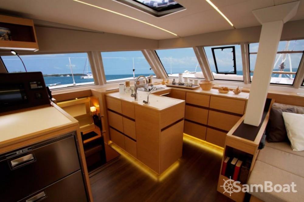 Huur Catamaran met of zonder schipper Nautitech in Leucade