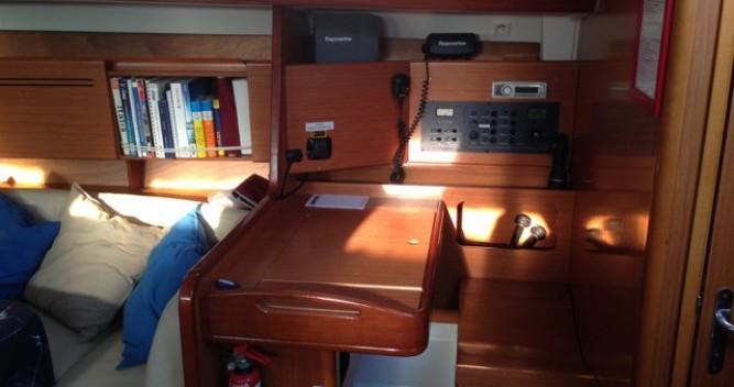 Location bateau Bénéteau Cyclades 50.4 à Naples sur Samboat