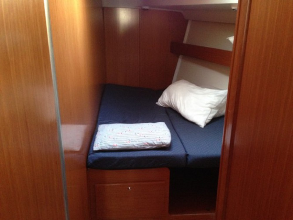 Noleggio barche Bénéteau Cyclades 50.4 Napoli su Samboat