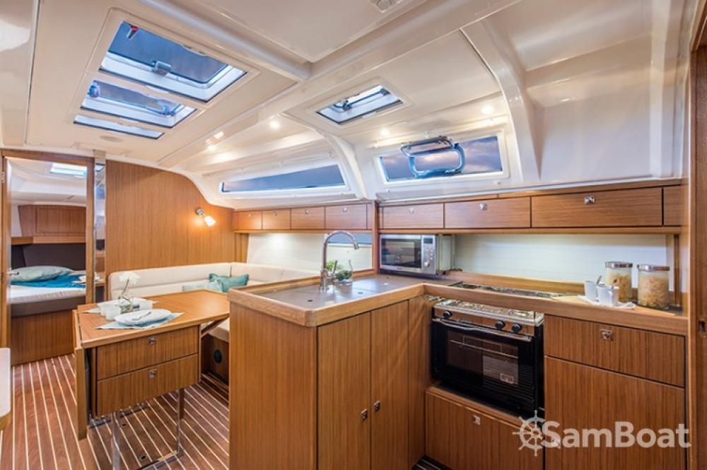 Bavaria Cruiser 37 entre particuliers et professionnel à Zadar