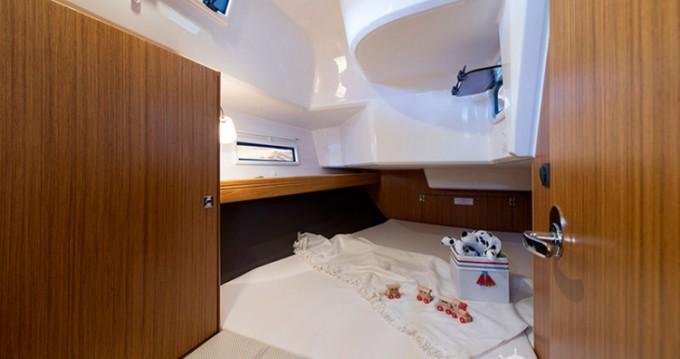 Alquiler de yate Marina Borik - Bavaria Cruiser 37 en SamBoat