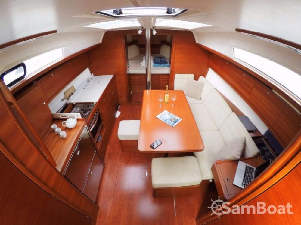 Rental yacht Port de plaisance d'Horta - Dufour Dufour 382 Grand Large on SamBoat