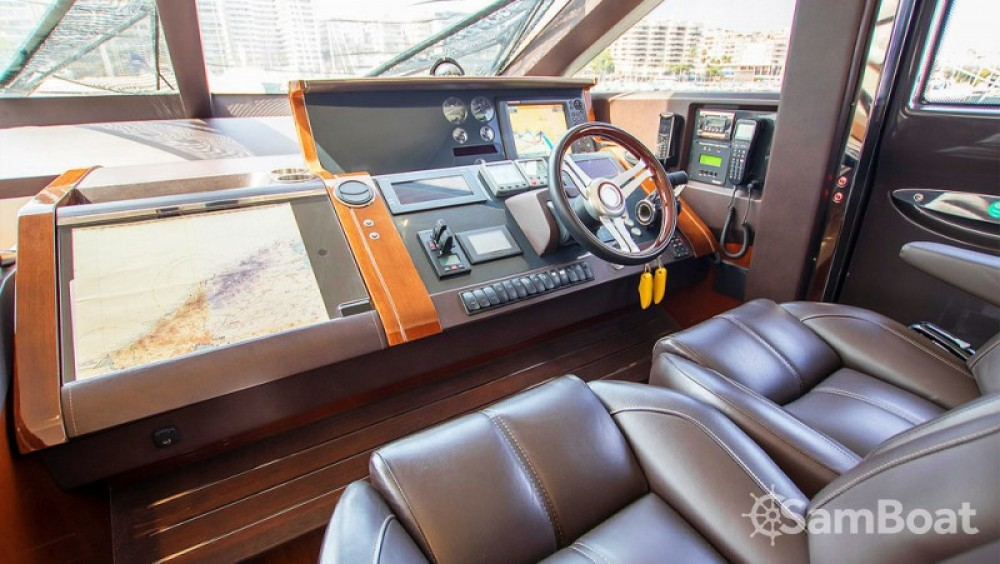 Boat rental Princess-Yachts Princess 72 Flybridge - 4 + 1 cab. in Marina LAV on Samboat