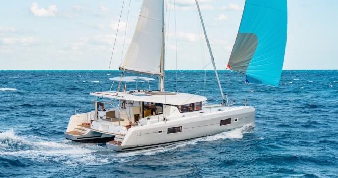 Louer Catamaran avec ou sans skipper Lagoon à Μαρίνα Ζέας
