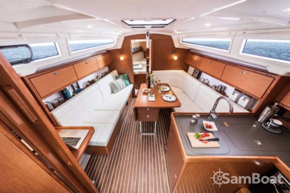 Rent a Bavaria Cruiser 34 Split