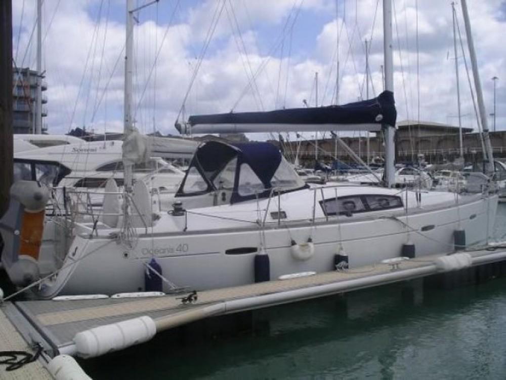 Bénéteau Oceanis 40 entre particulares y profesional Βόλος