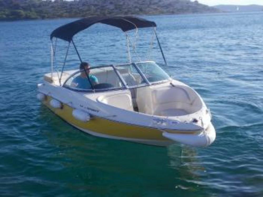 Boat rental Sea-Ray-Boats Sea Ray 175 Sport in Tribunj on Samboat