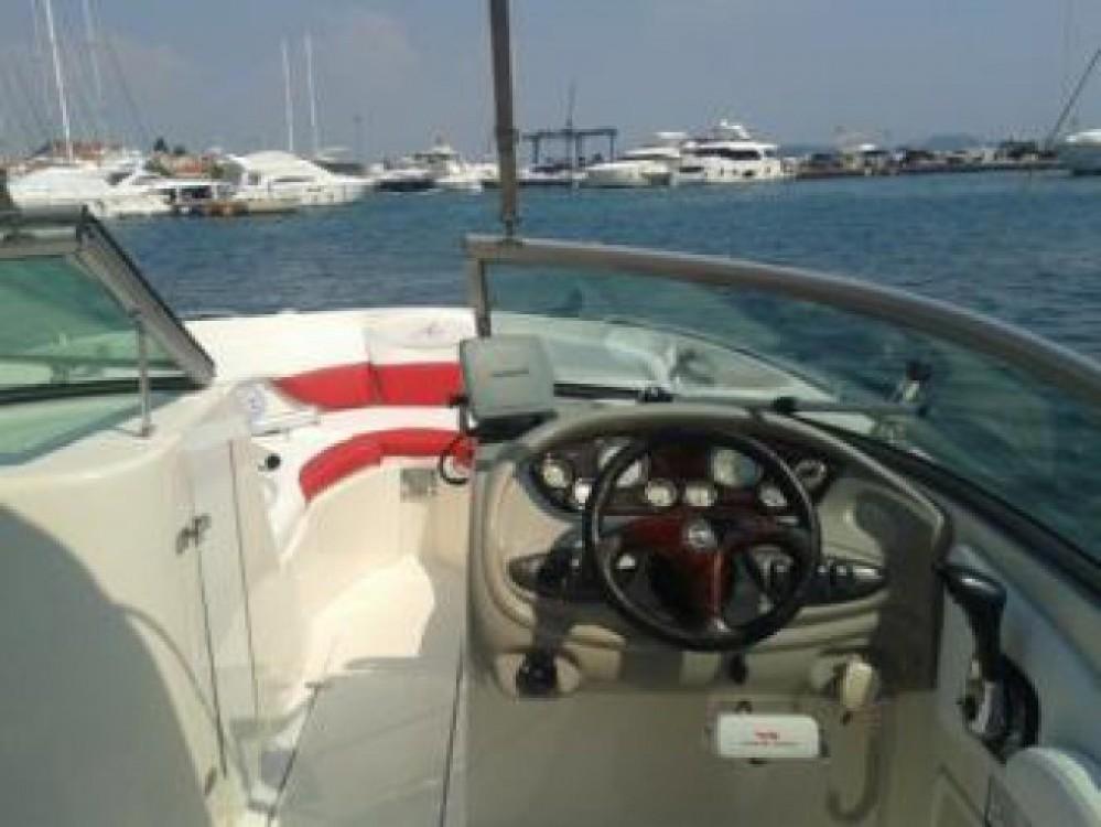Alquiler de yate Tribunj - Monterey Monterey 248 LS en SamBoat