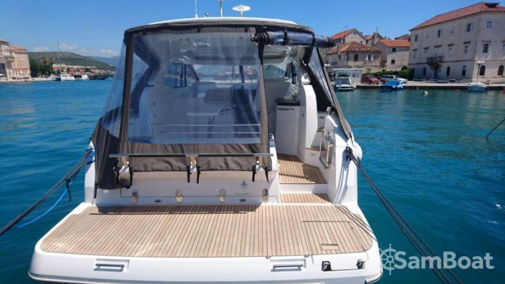 Motor boat for rent  at the best price