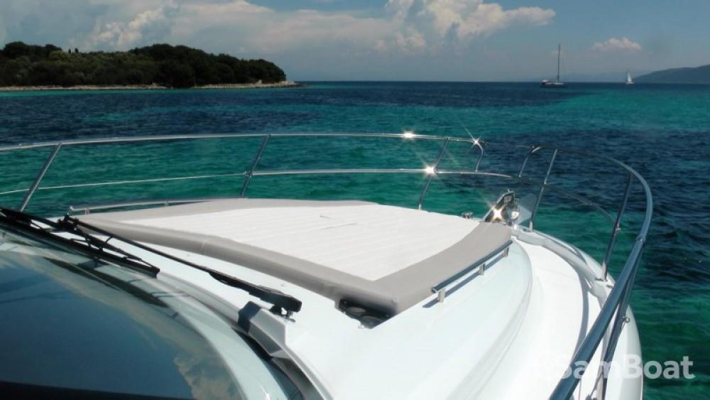 Boat rental Jeanneau Leader 36 Open in  on Samboat