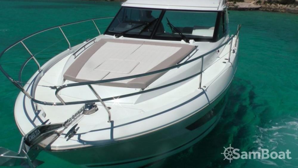 Boat rental  cheap Leader 36 Open