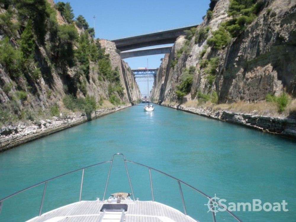 Location bateau Fairline-Boats Fairline Phantom 46 - 3 cab. à Kukljica sur Samboat
