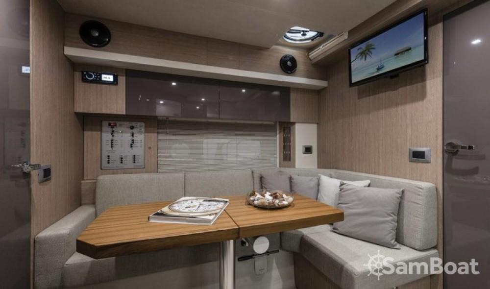 Alquiler de yate Marina LAV - Cranchi Z 35 en SamBoat