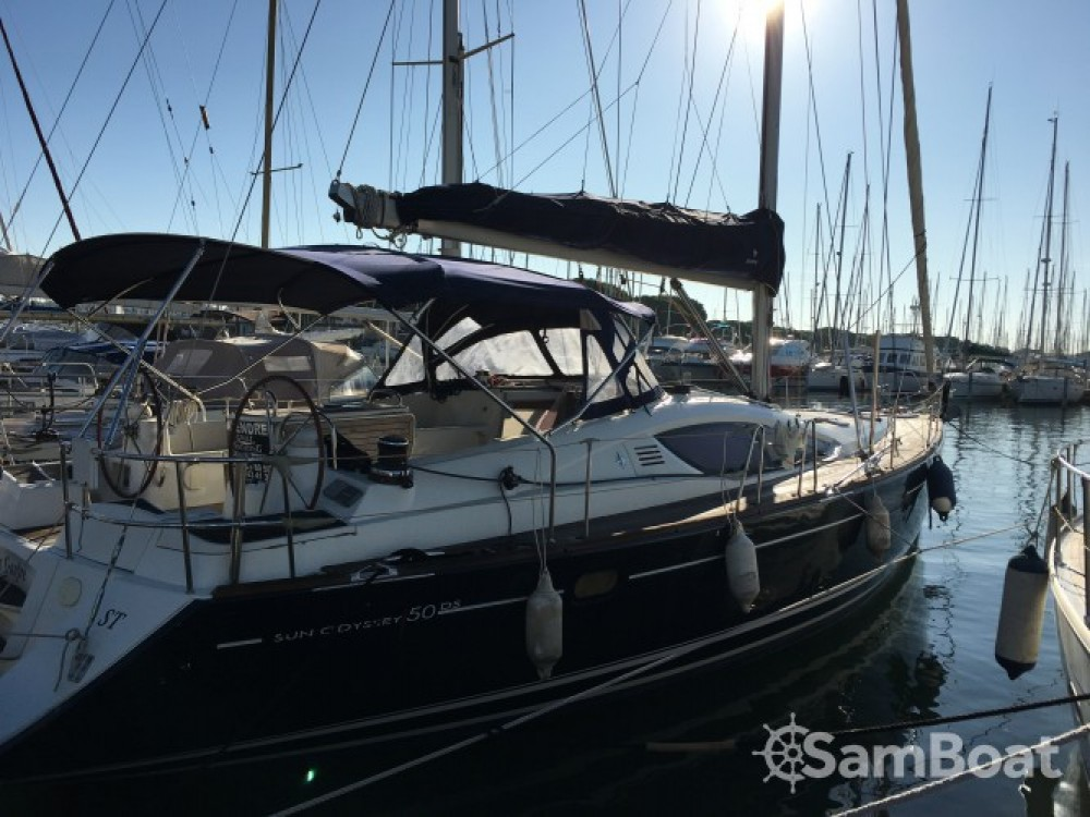 Alquiler de barcos Le Grau-du-Roi barato de Sun Odyssey 50 DS