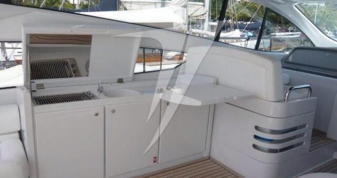Louer Yacht avec ou sans skipper Pershing à Castellammare di Stabia