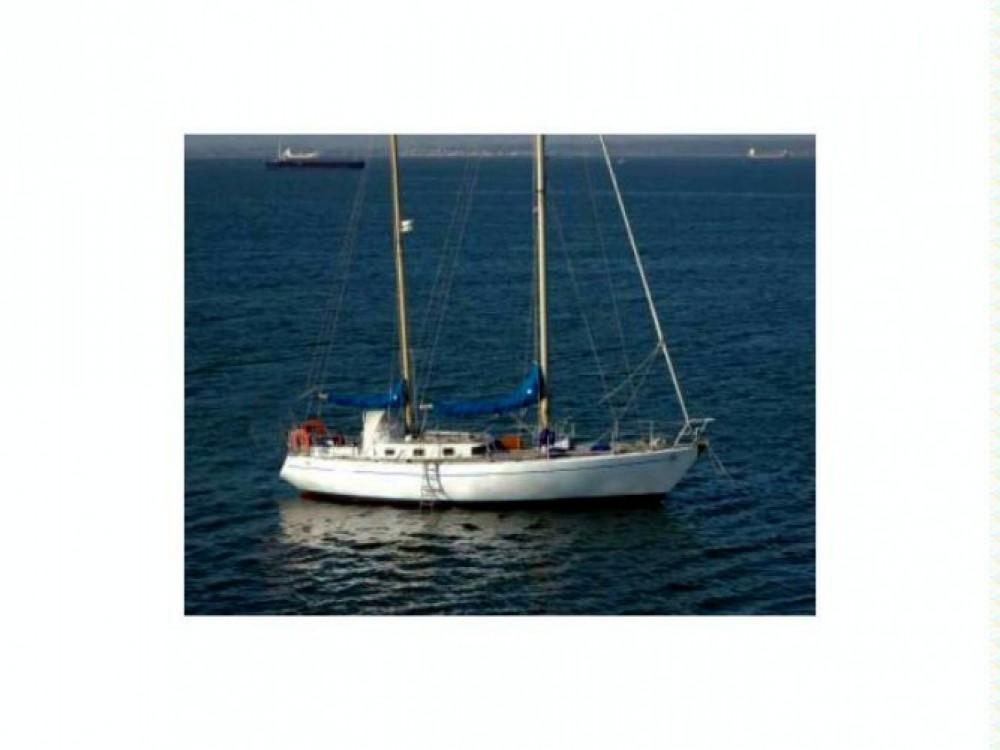 Rental Sailboat Etudes de Carènes with a permit