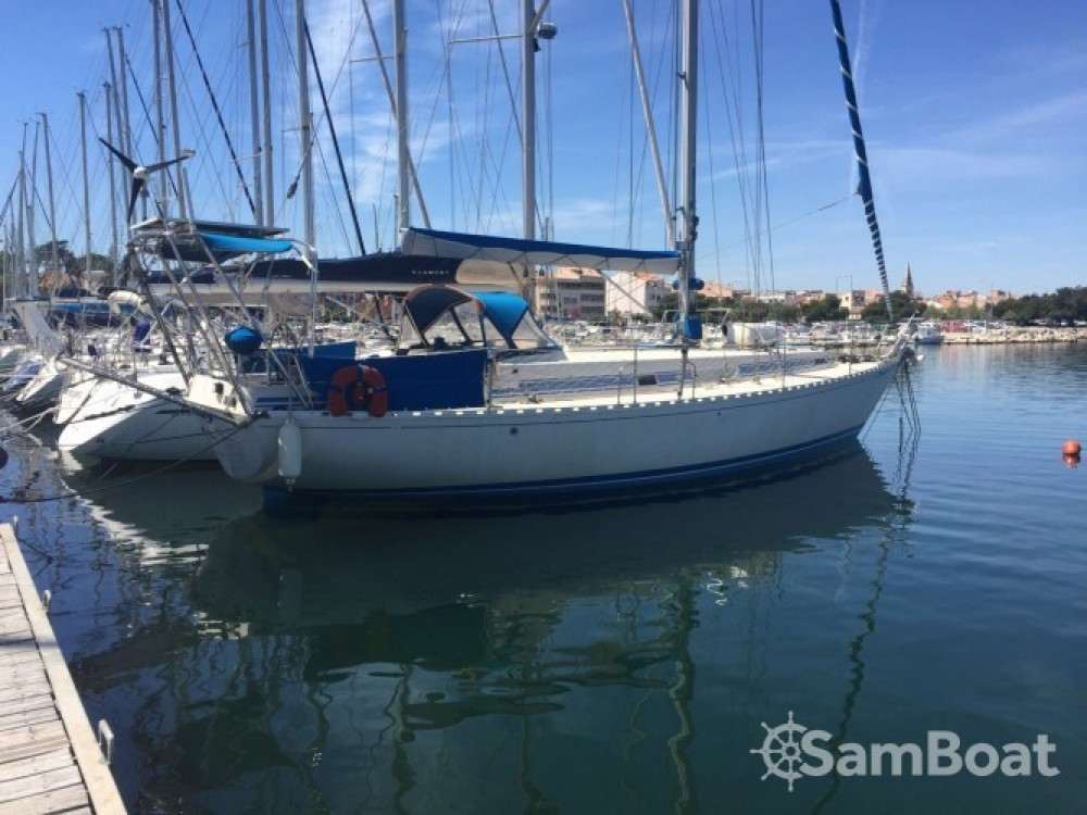 Bénéteau Idylle 13.50 between personal and professional Martigues