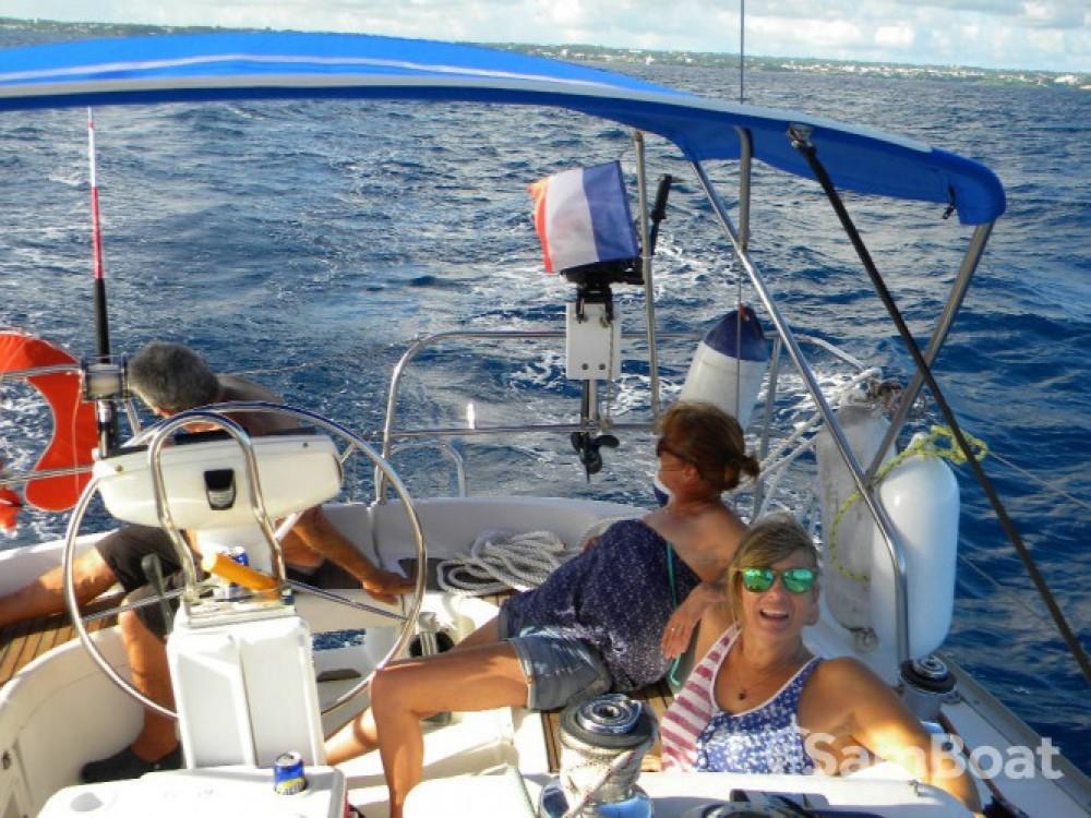 Rental yacht Pointe-à-Pitre - Jeanneau Sun Odyssey 35 on SamBoat