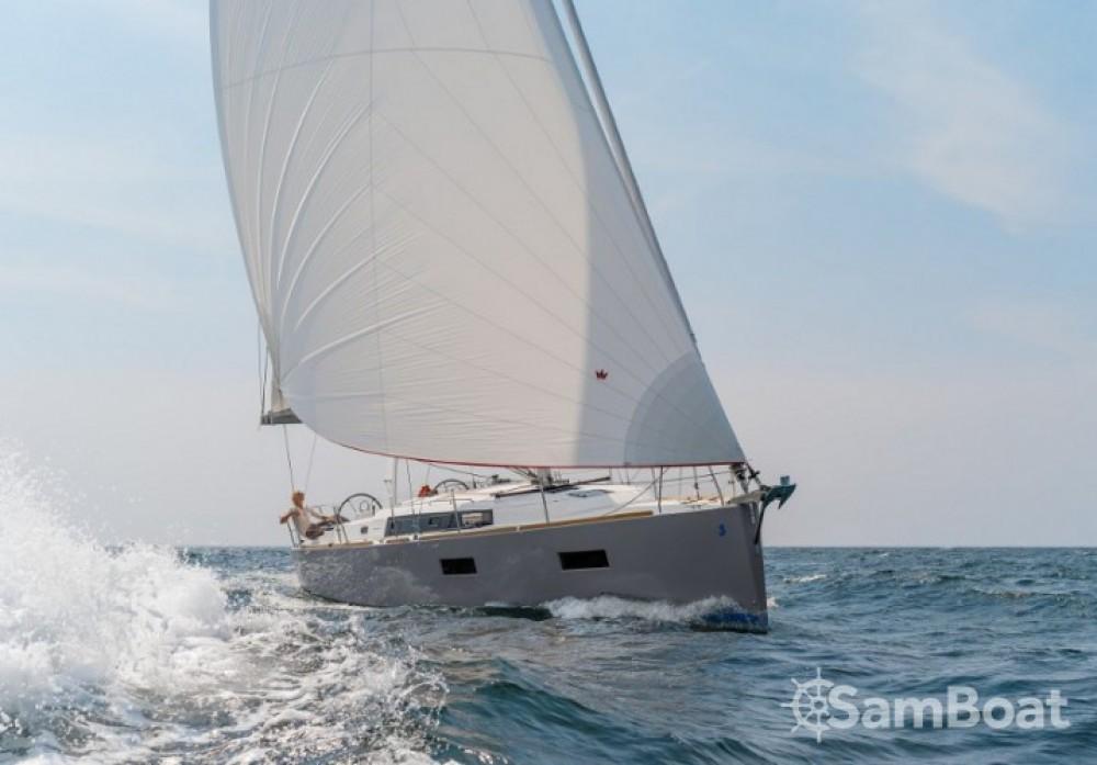 Location yacht à Comté de Stockholm - Bénéteau Oceanis 38 sur SamBoat