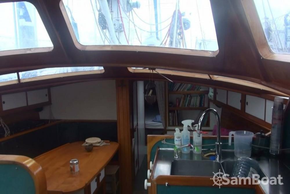 Location bateau Lorient pas cher Galapagos 43