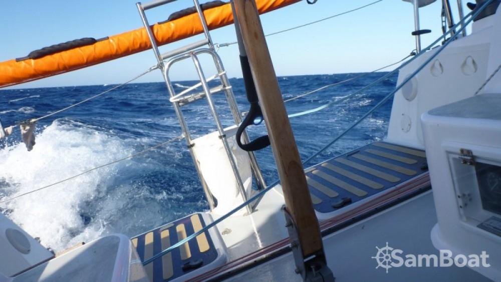 Barca a vela a noleggio Locmiquélic al miglior prezzo