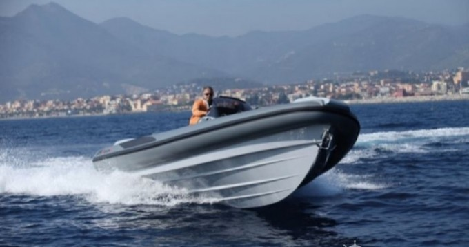 Lomac Adrenalina 8.5 entre particuliers et professionnel à Ajaccio