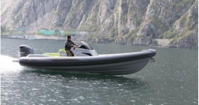 Louer Semi-rigide avec ou sans skipper Lomac à Ajaccio