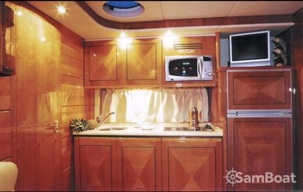 Boat rental Gianetti 45 Sport in Saint-Tropez on Samboat