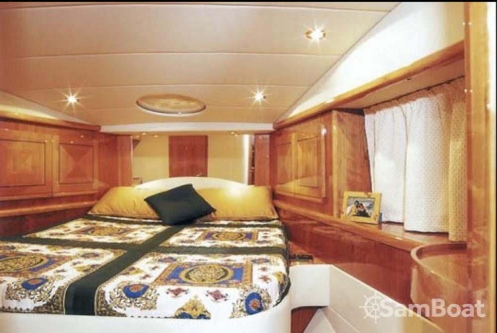 Location bateau Gianetti 45 Sport à Cannes sur Samboat