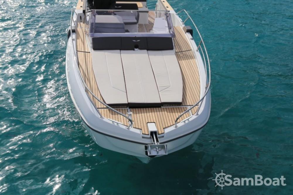 Boat rental Bénéteau Flyer 8.8 SUNdeck in Port Charles Ornano on Samboat