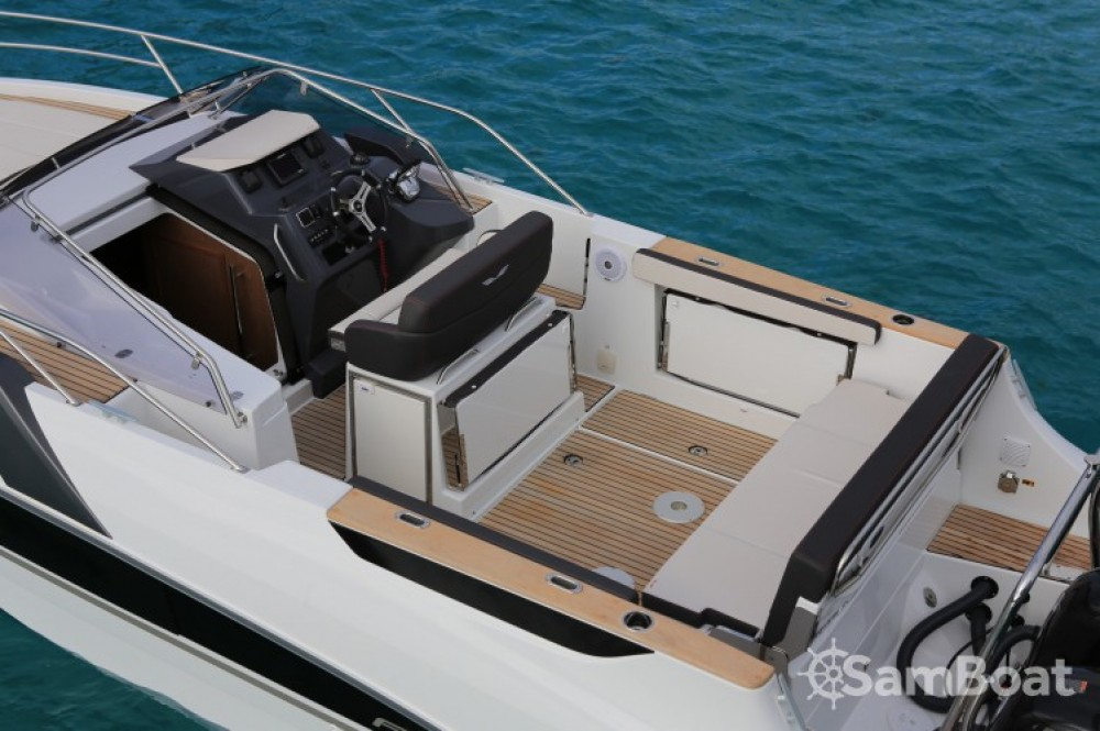 Hire Motor boat with or without skipper Bénéteau Port Charles Ornano