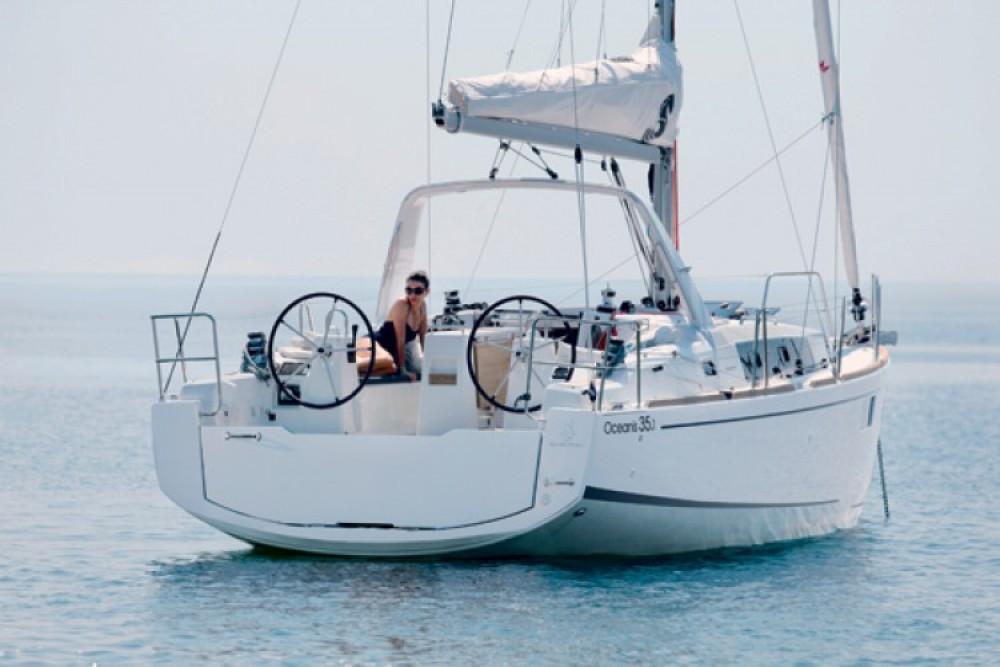 Rent a Bénéteau Oceanis 35.1 Favignana