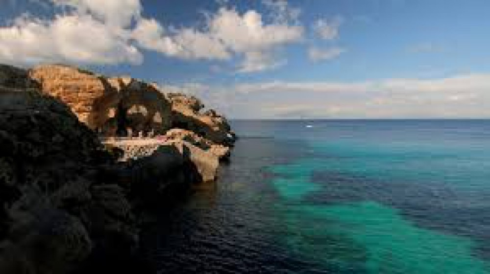 Sailboat for rent Favignana at the best price