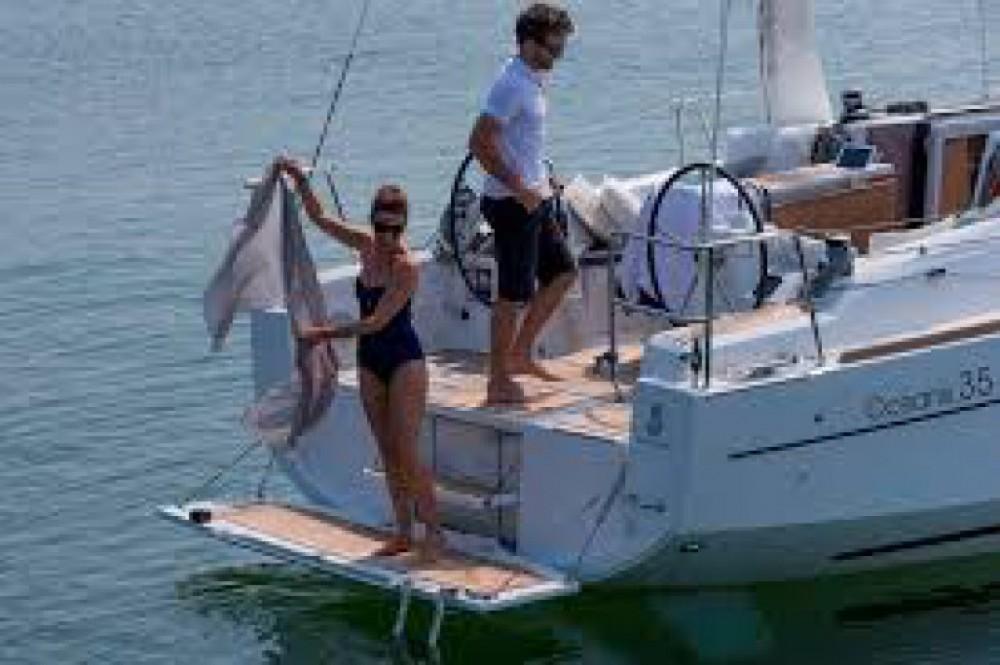 Rental yacht Favignana - Bénéteau Oceanis 35.1 on SamBoat