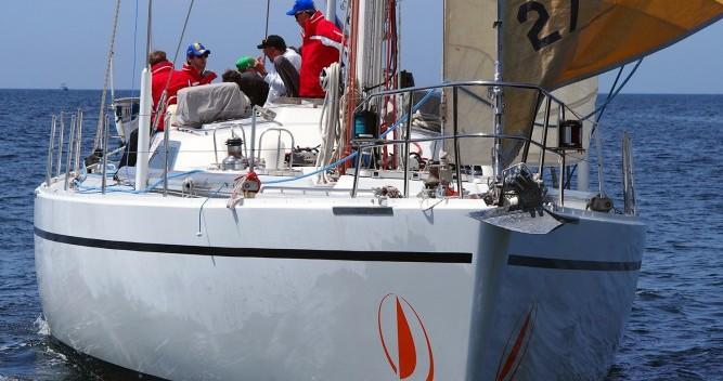 Location bateau Lorient pas cher Challenge 67