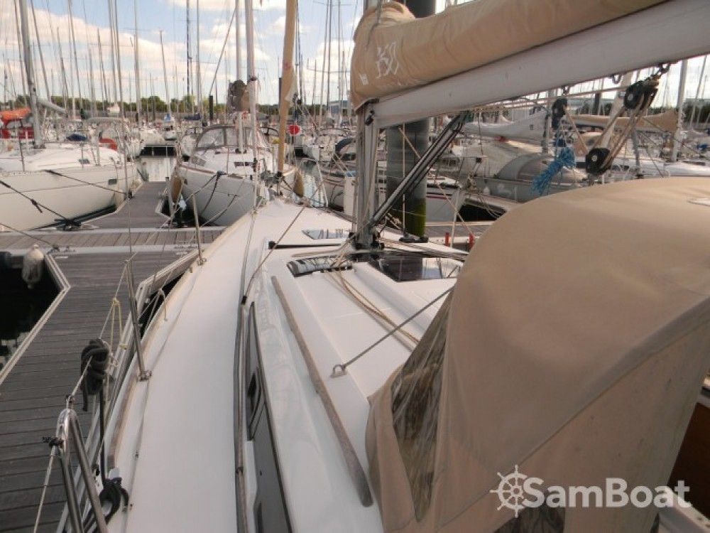 Rent a Dufour Dufour 350 Grand Large La Rochelle