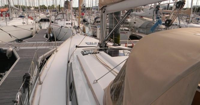 Louez un Dufour Dufour 350 Grand Large à La Rochelle