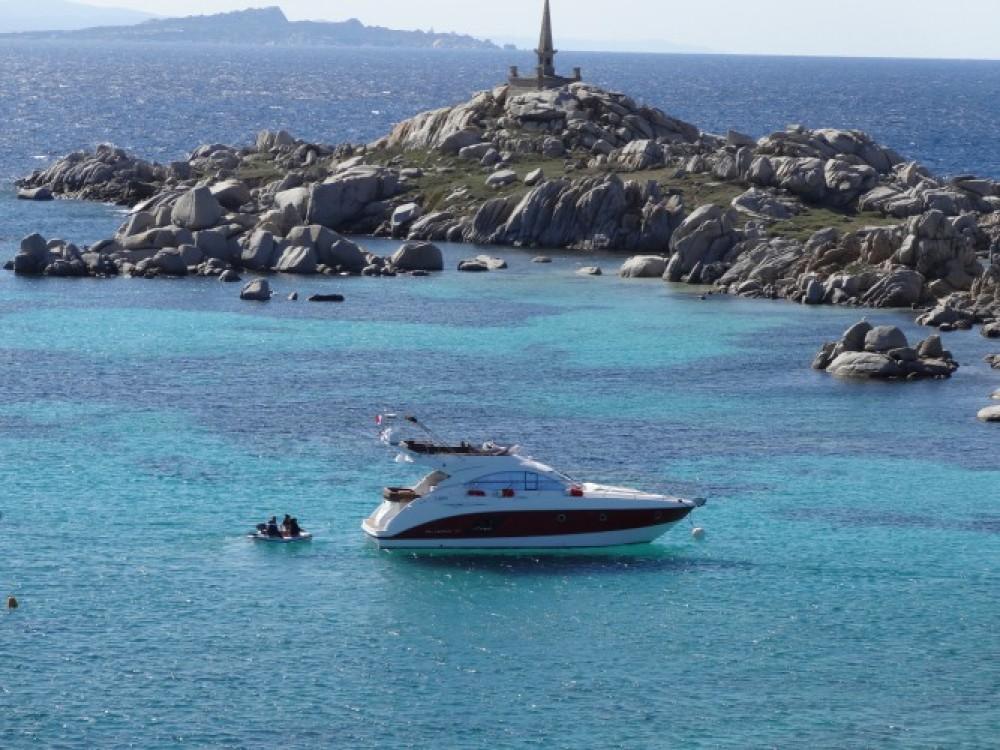 Motorboot mieten in Saint-Tropez - Bénéteau Monte Carlo 47 Fly