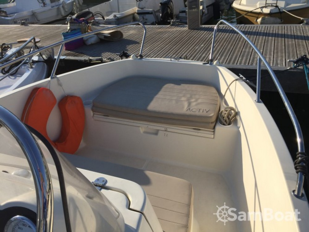 Quicksilver Activ 555 Open between personal and professional Cannes