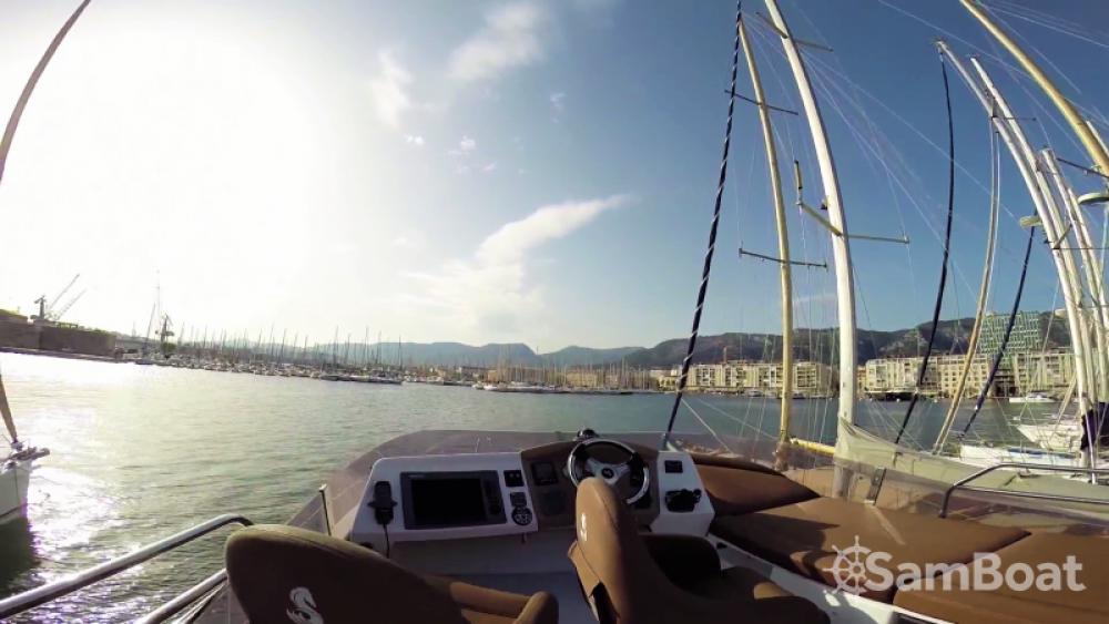 Boat rental Saint-Tropez cheap Monte Carlo 47 Fly