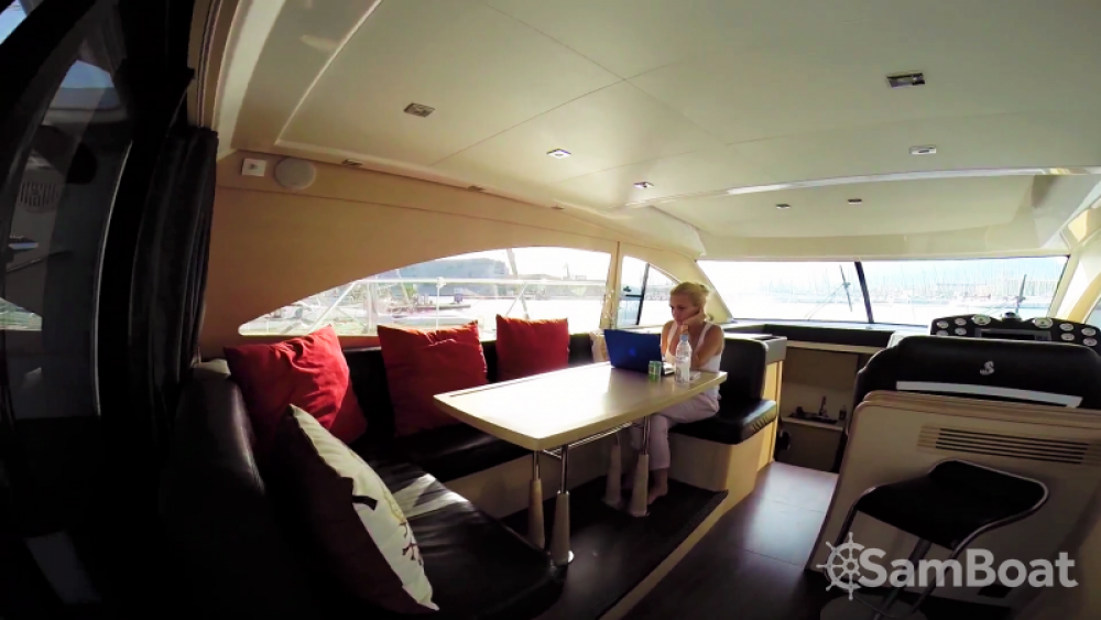 Bénéteau Monte Carlo 47 Fly zwischen Privatpersonen und professionellem Anbieter Saint-Tropez