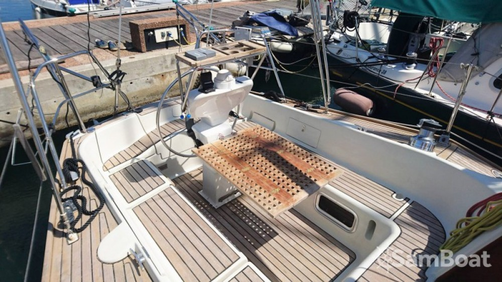Sailboat for rent Cogolin at the best price