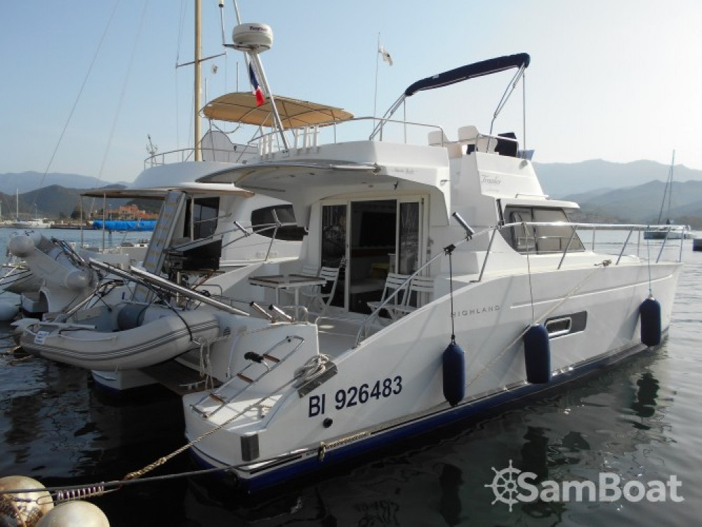 Rental Motor boat in Saint-Florent - Fountaine Pajot Highland 35