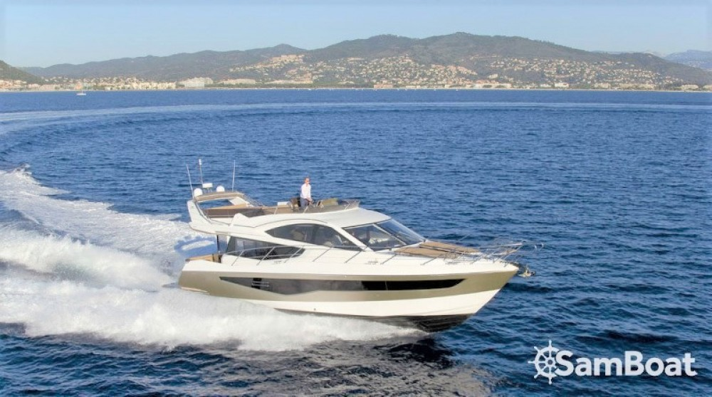 Boat rental Galeon 550 FLY in Saint-Raphaël on Samboat