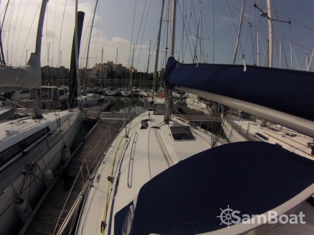 Boat rental La Rochelle cheap Bavaria 40
